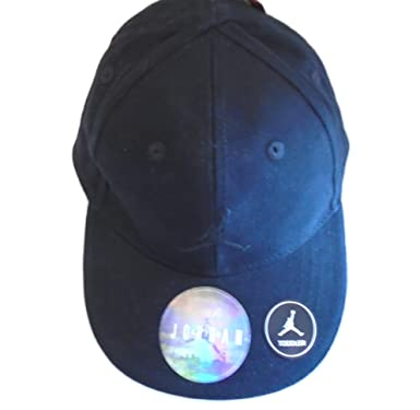 9288d7635124 Image Unavailable. Image not available for. Color  Nike Jordan Air Hybrid  True Illusion Snap-Back Hat Baseball Cap (Classic Black)