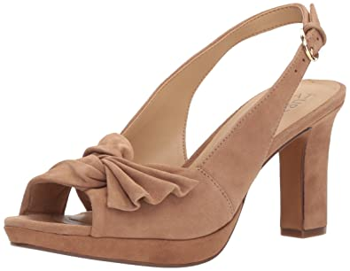 9982d10422d Amazon.com  Naturalizer Women s Fawn Heeled Sandal  Shoes