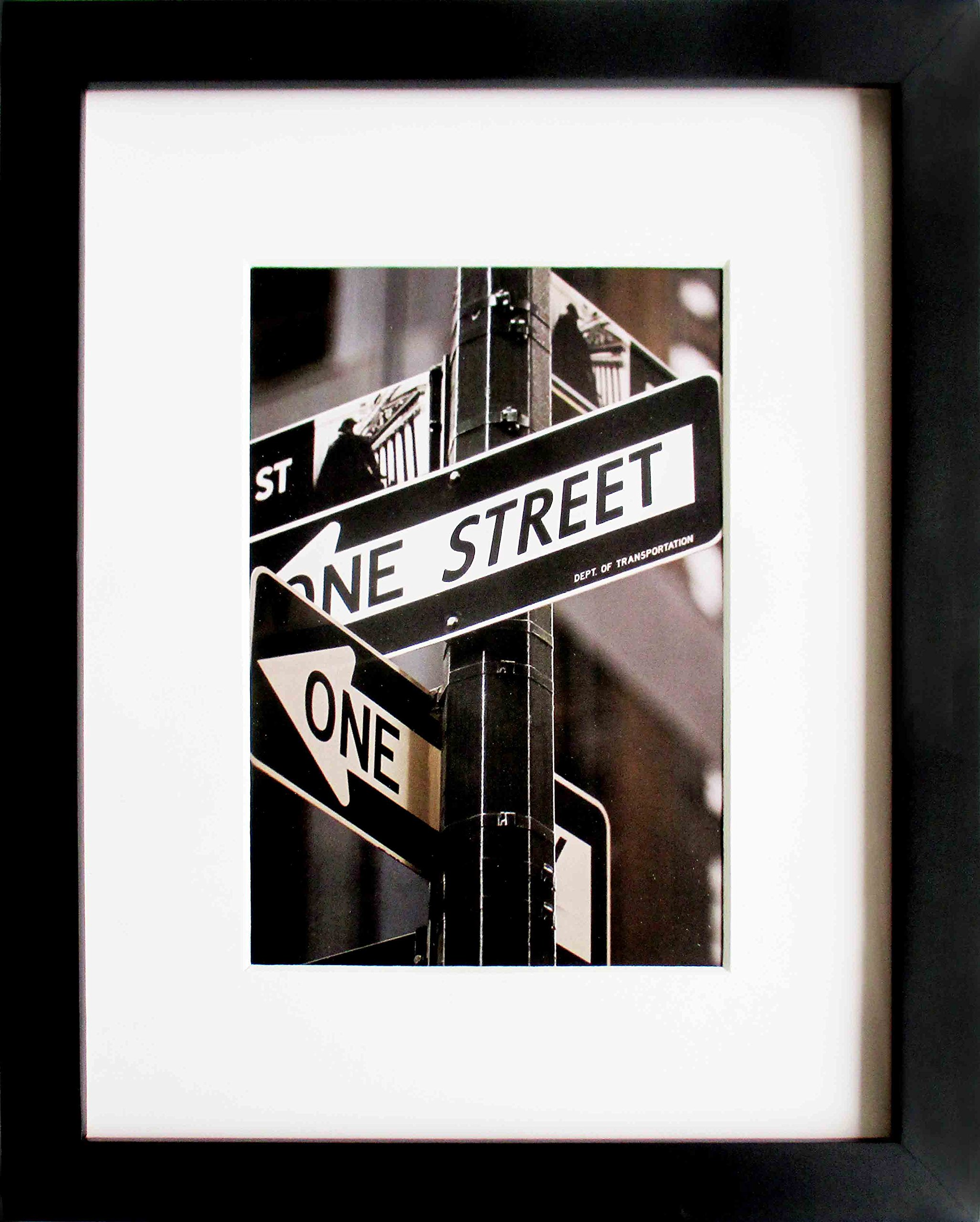The Display Guys 20''x24'' Matte Black Pine Wood Photo Decorative Frame w/Photo Mat for 16''x20'' Photo and Collage Mat