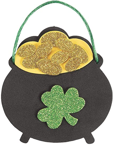 Amazon Com 12 Pot Of Gold Ornament Craft Kits St Patrick S Day Crafts For Kids Arts Crafts Sewing
