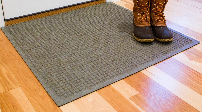 Hudson Exchange Waterhog Fashion Polypropylene Fiber Entrance Indoor/Outdoor Floor Mat, 35'' L x 35'' W, 3/8'' Thick, Medium Gray
