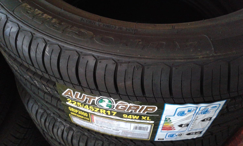 225//45ZR17 Car Tyre Autogrip 94W XL Grip 2000-225//45ZR17 Gomma auto Autogrip 94W XL Grip2000