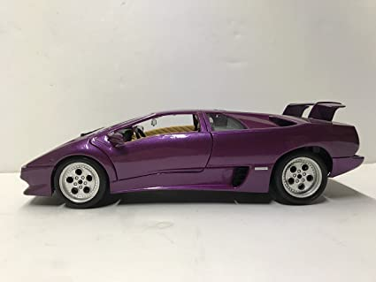 Lamborghini Diablo 1990 >> Amazon Com Burago Bburago Lamborghini Red Diablo Car 1990 1