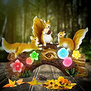 WOGOON Garden Statue Squirrel Figurines, Resin Garden Sculptures with 5 Super Cute Calla Lily Lights, Outdoor Solar Statue Animal Art for Spring Autumn Winter Patio Lawn Yard Porch Housewarming
