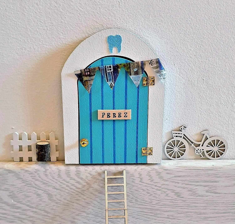 Puerta Ratoncito Perez que SE ABRE!! de madera (TALLER ARTESANAL) con accesorios * azul