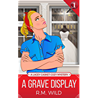 A Grave Display: A Lacey Casket Cozy Mystery (English Edition)