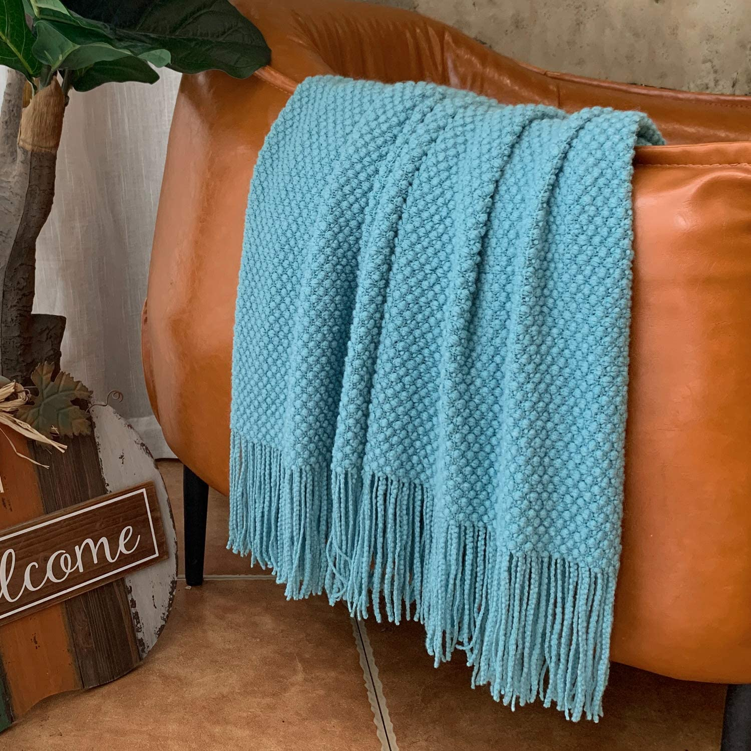 LOMAO Knitted Throw Blanket with Tassels