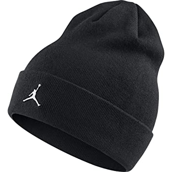 Amazon.com  Nike Mens Jordan Cuffed Metal Logo Beanie Black AA1297 ... a3988dbb338