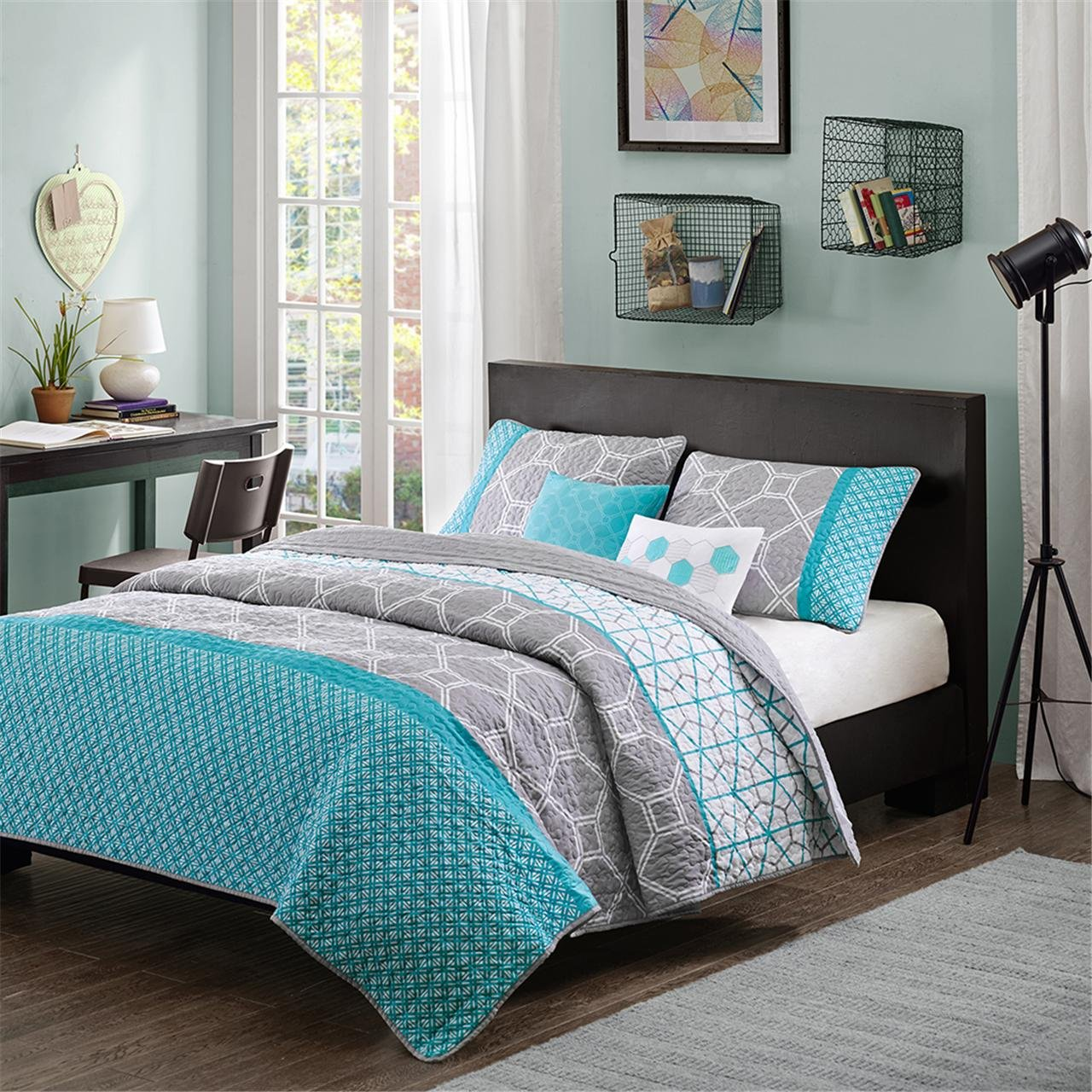 Intelligent Design Clara Coverlet Set Blue King Cal King