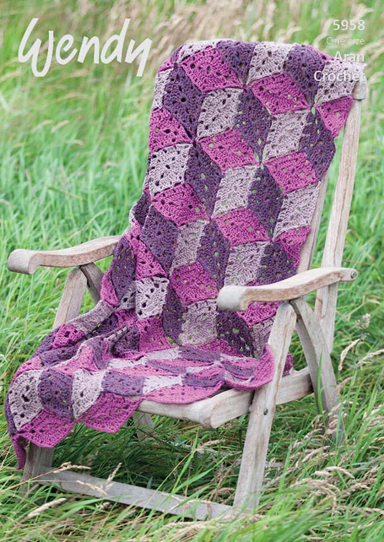 Wendy 5958 Crochet patrón Cube manta y cojín en Aran con ...
