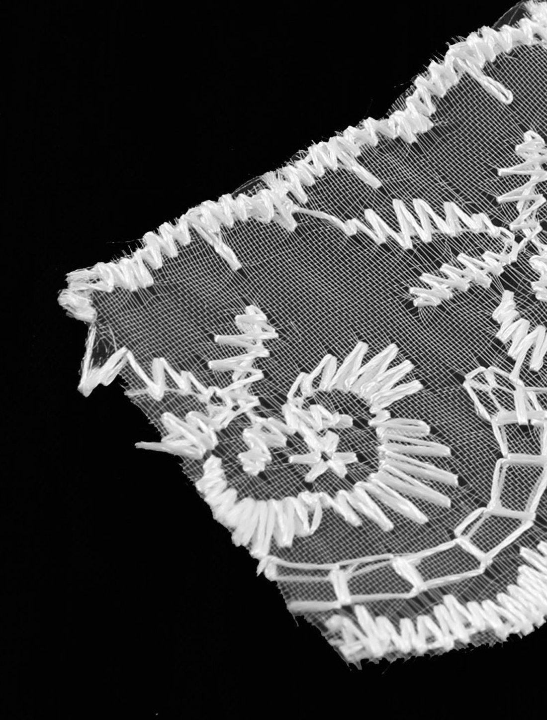 Amazon.com: eDealMax Ajuste de la Cinta del cordón del Vestido de Novia de Flores 4,5 cm Anchura 1M Blanco Largo: Home & Kitchen
