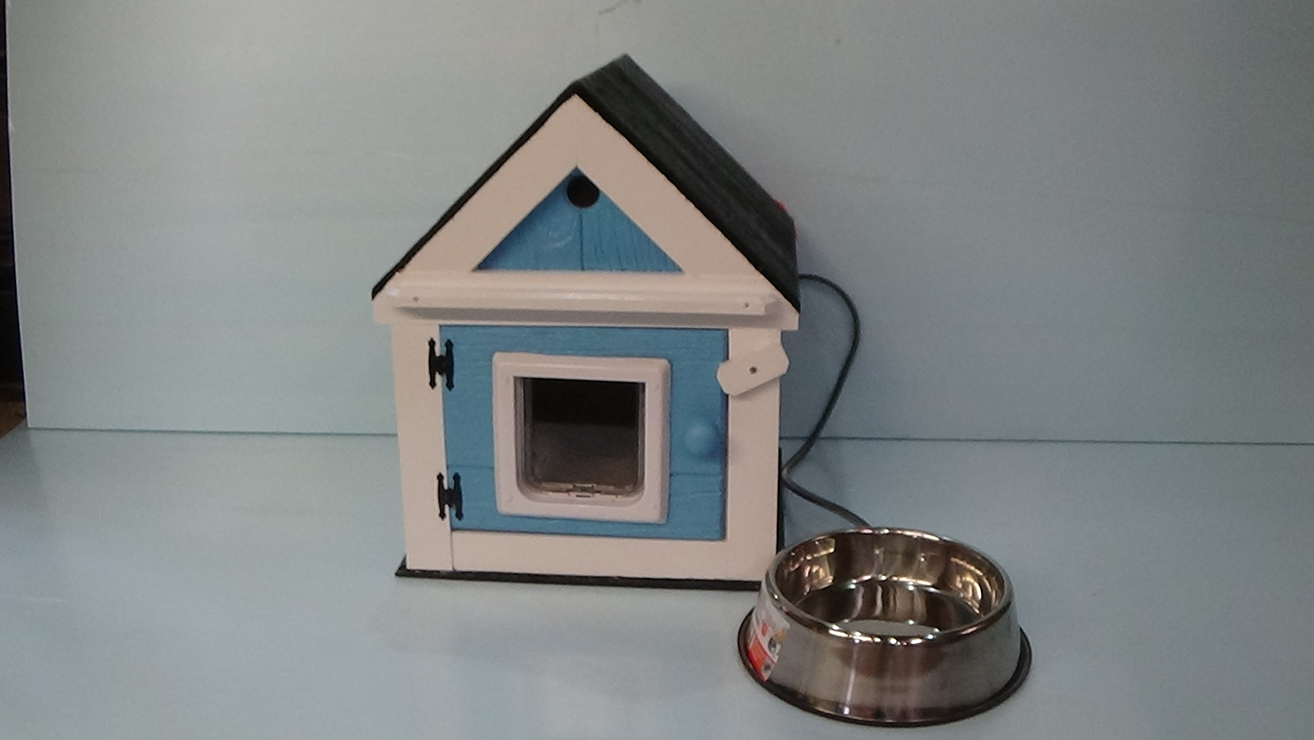Heated Outdoor Cat House with Heated Bowl by STABOB'S HANDCRAFTED PET HOUSES