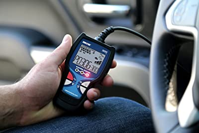 Innova 3020D is one of the best OBD2 diagnostic tool that supports supports in English and Spanish