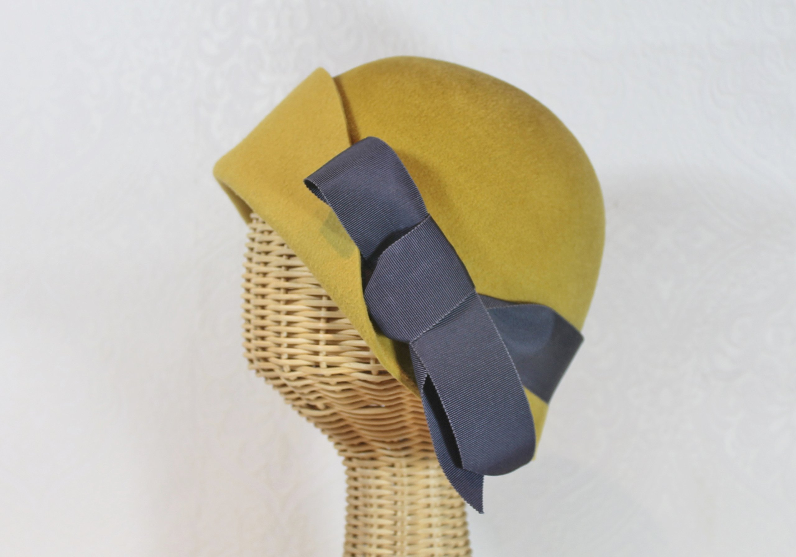 Amelie 20's Style Flapper Cloche Hat in Provence Gold Velour Felt