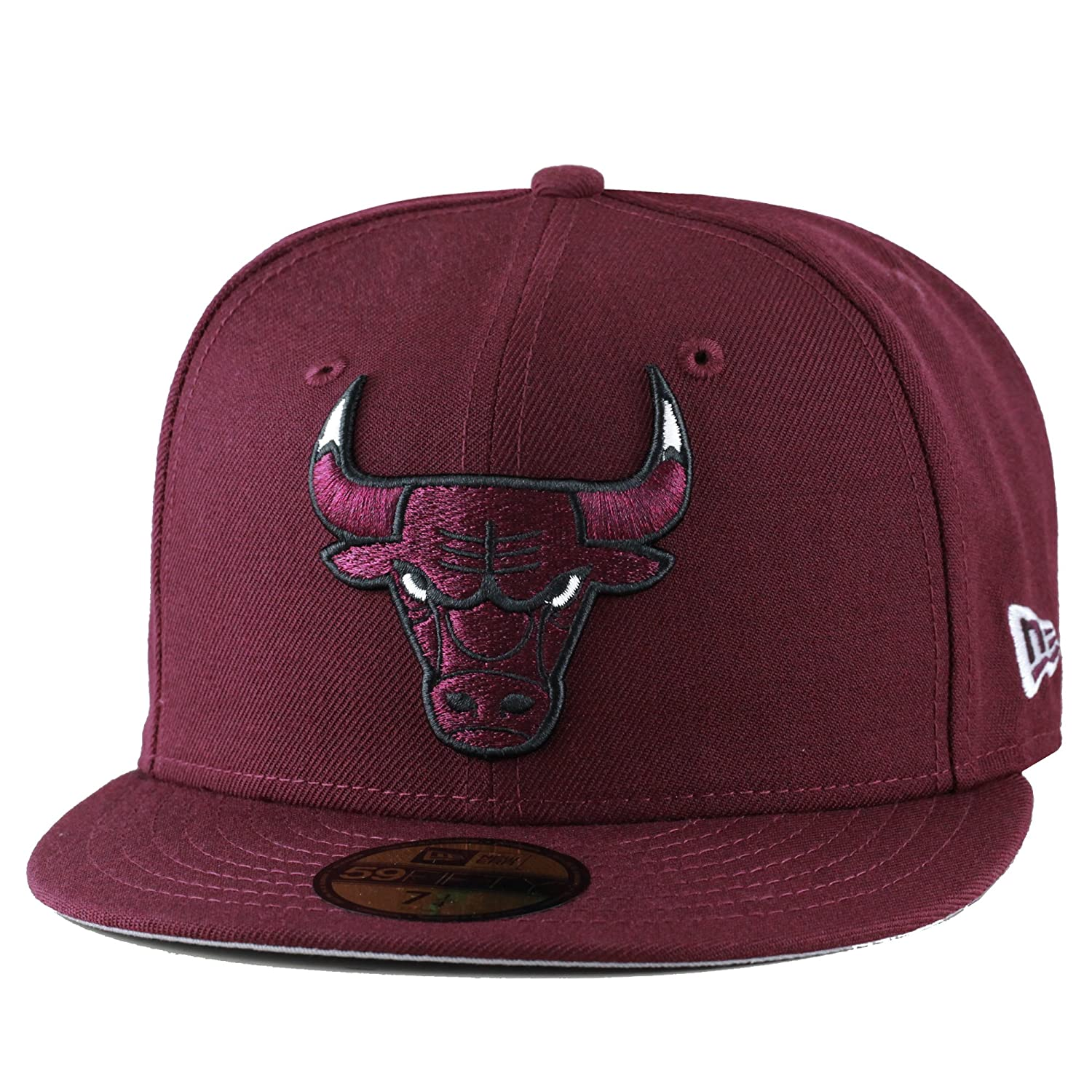 11806cb8b6c Amazon.com  New Era Chicago Bulls Fitted Hat Cap Maroon White Eyes  Clothing