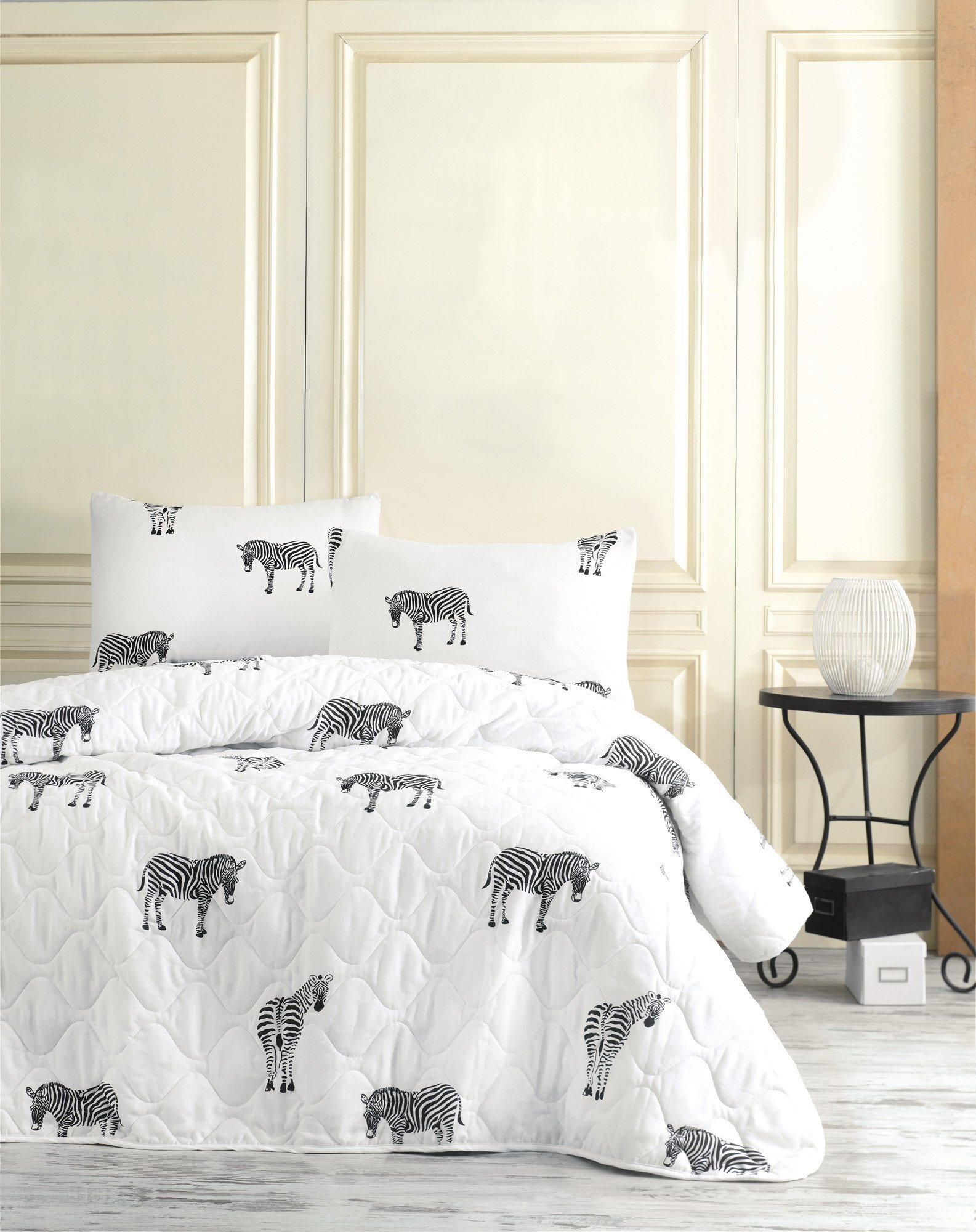 3 Pcs Soft Colored Full and Double Bed Size Bedroom Bedding 65% Cotton Double Quilted Bedspread Set 100% Fiber Filling Padded Soft Relaxed Design Comfortable Pattern Zebra Horse Animal Bedspread Set