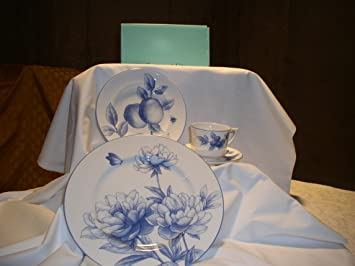 Tiffany \u0026 Co. NATURE 4pc Placesetting \u0027PEONY\u0027 Dinnerplate & Amazon.com | Tiffany \u0026 Co. NATURE 4pc Placesetting \u0027PEONY ...