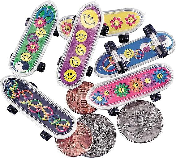 1PC Cute Kids Children Mini Fingerboard Skate Boarding Gifts Party Toy RandomE3R