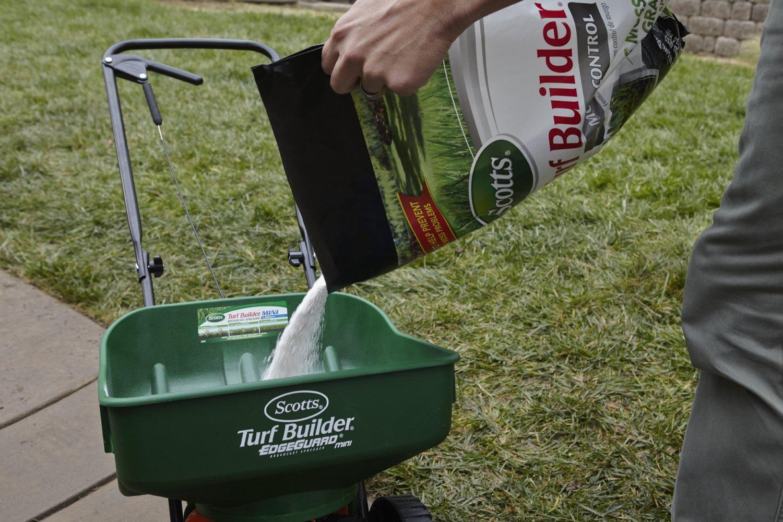 Amazon.com: Scotts Turf Builder alimento para césped ...