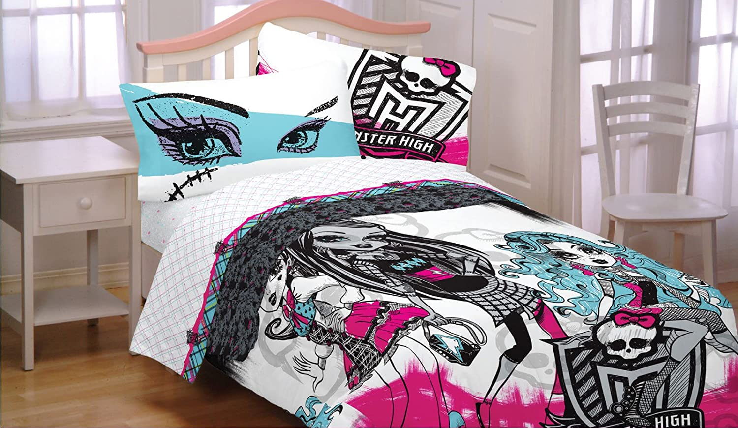 Amazon.com: 3pc Monster High Twin Bed Sheet Set Freaky Fashion ...