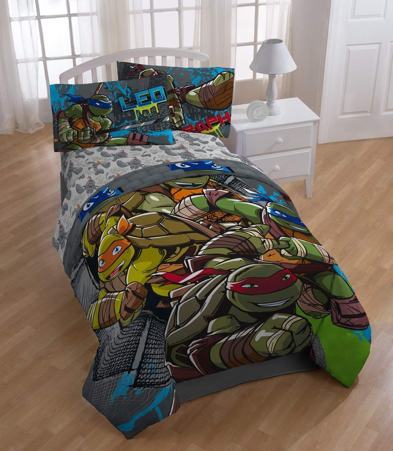 Jay Franco Teenage Mutant Ninja Turtles 'Cross Hatching' Twin/Full Reversible Comforter And Pillow Sham Set