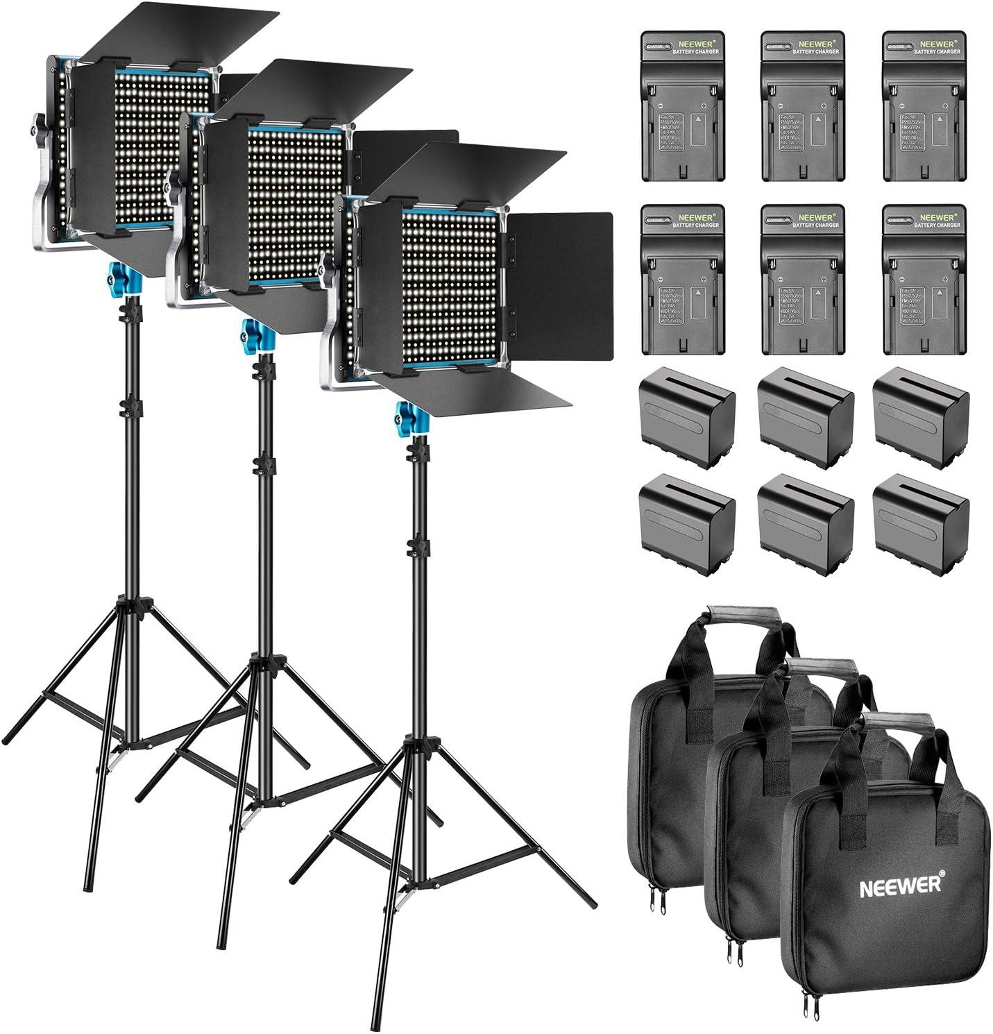 Neewer 3-Piezas Regulable Bi-Color 660 LED de Luz de Vídeo con Barndoor y 6,5 Pies de Pie de Luz, 6-Pack 6600mAh Li-Ion y Kit de Iluminación del Cargador para el Estudio Vídeo de Disparo (Azul)