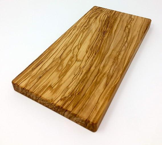 Compra Tabla de cortar de madera de olivo 28x14x2.2 cm hecha a ...