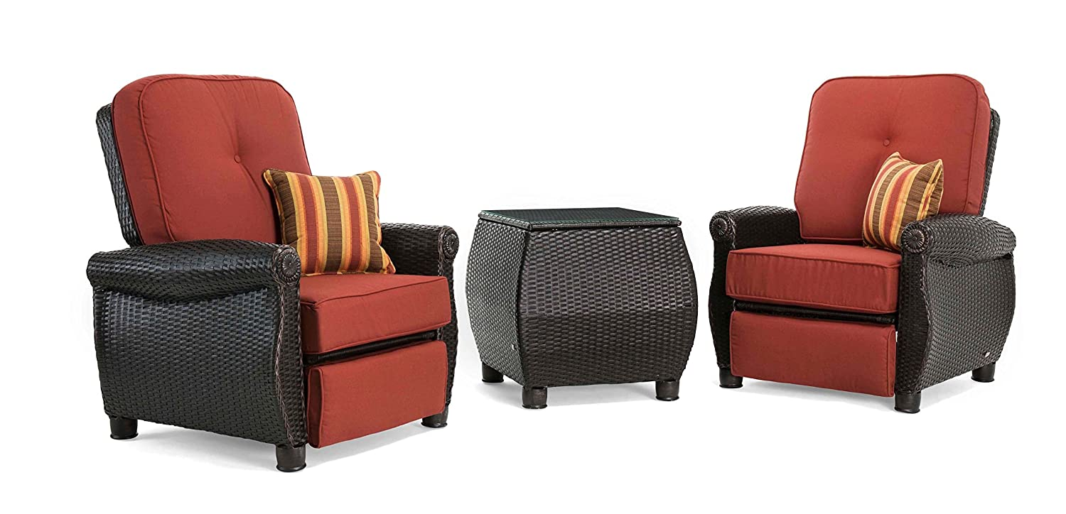 Amazon com la z boy outdoor breckenridge 3 piece resin wicker patio furniture set brick red 2 recliners and side table with all weather sunbrella