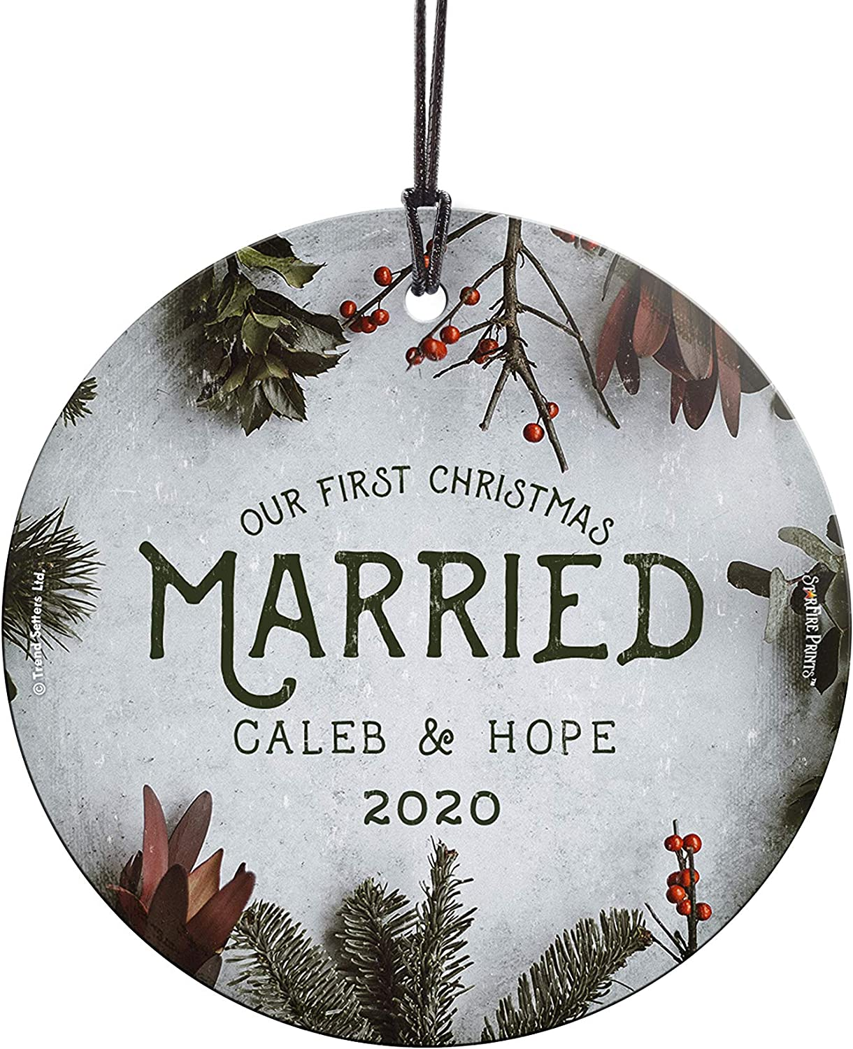 Amazon Com Our First Christmas Ornament Married Personalized Cranberries And Evergreen Suncatcher Hanging Print Christmas Tree Date Display 3 5 Circle Complimentary Red Velveteen Gift Bag Home Kitchen