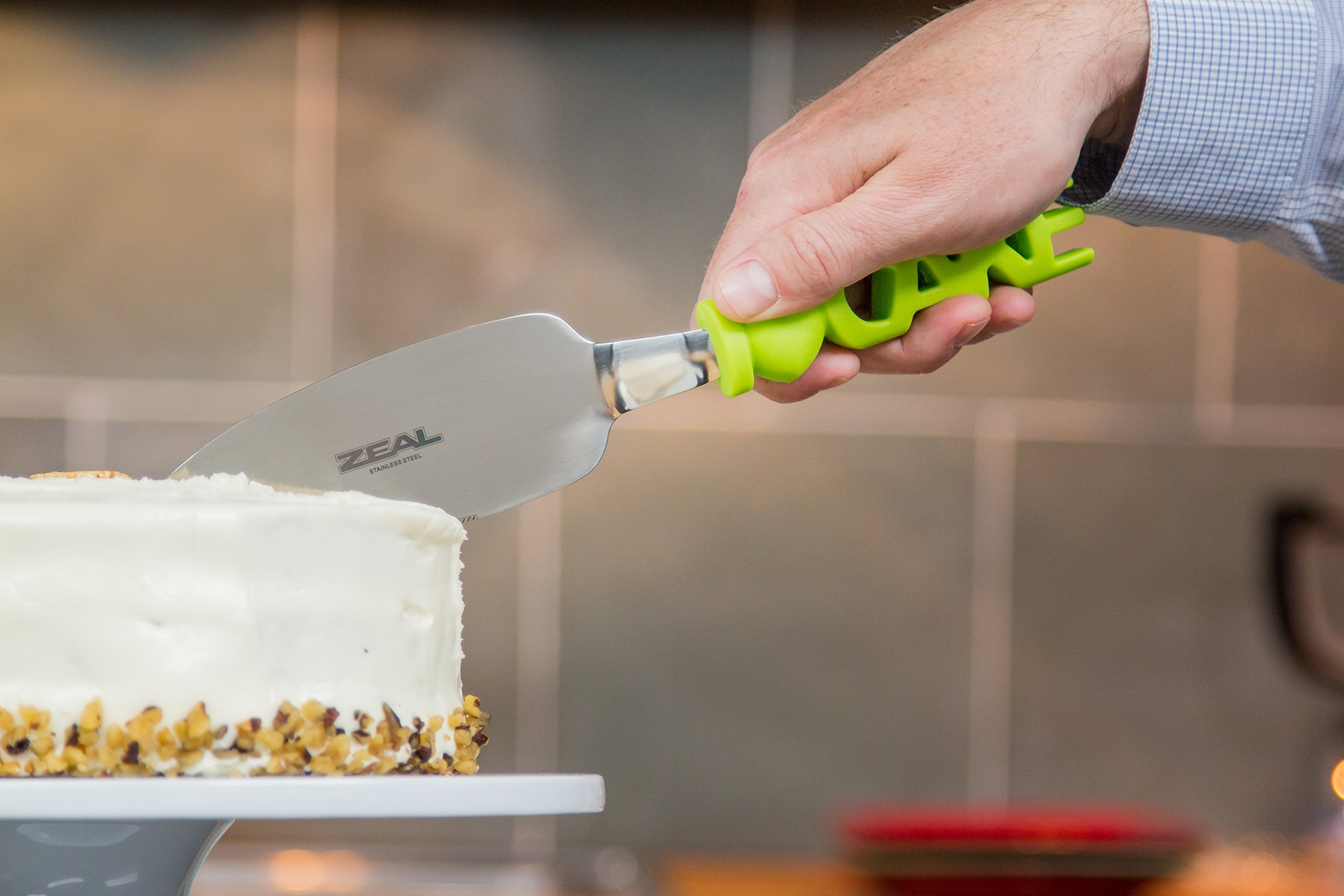 ZEAL Cake Slicer and Server with Cover - Serrated Cutter - I LOVE CAKE Design - For Cutting Cakes, Quiches, Pies - Green by Kitchen Innovations (Image #4)