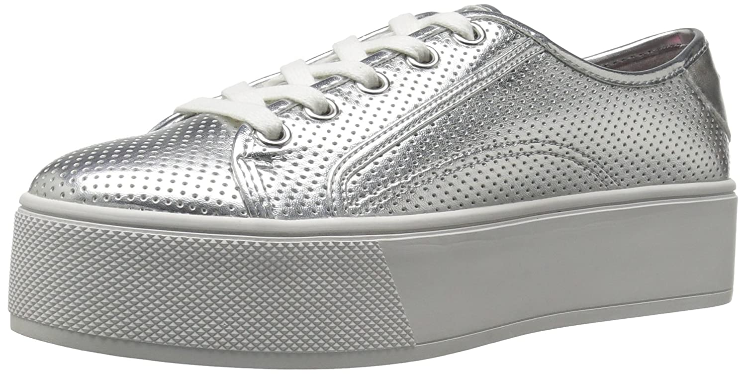 Betsey Johnson Women's Spur Fashion Sneaker B01MF62RLW 6 B(M) US|Silver