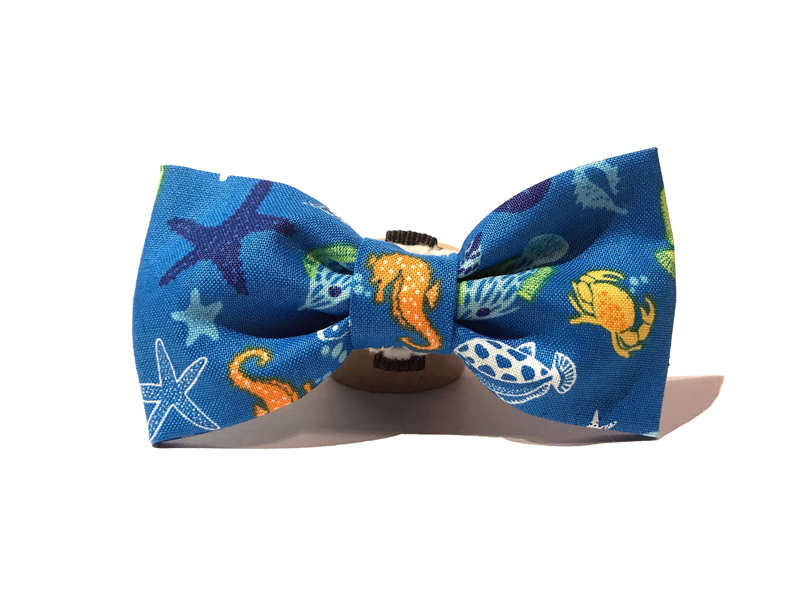 Very Vintage Design Dog Cat Collar Bow Tie Sea Creatures Bright Blue Nautical & Preppy Summer Seahorse Crabs Starfish Hand Crafted Collection Organic Cotton Personalized Adjustable Pet Bowtie