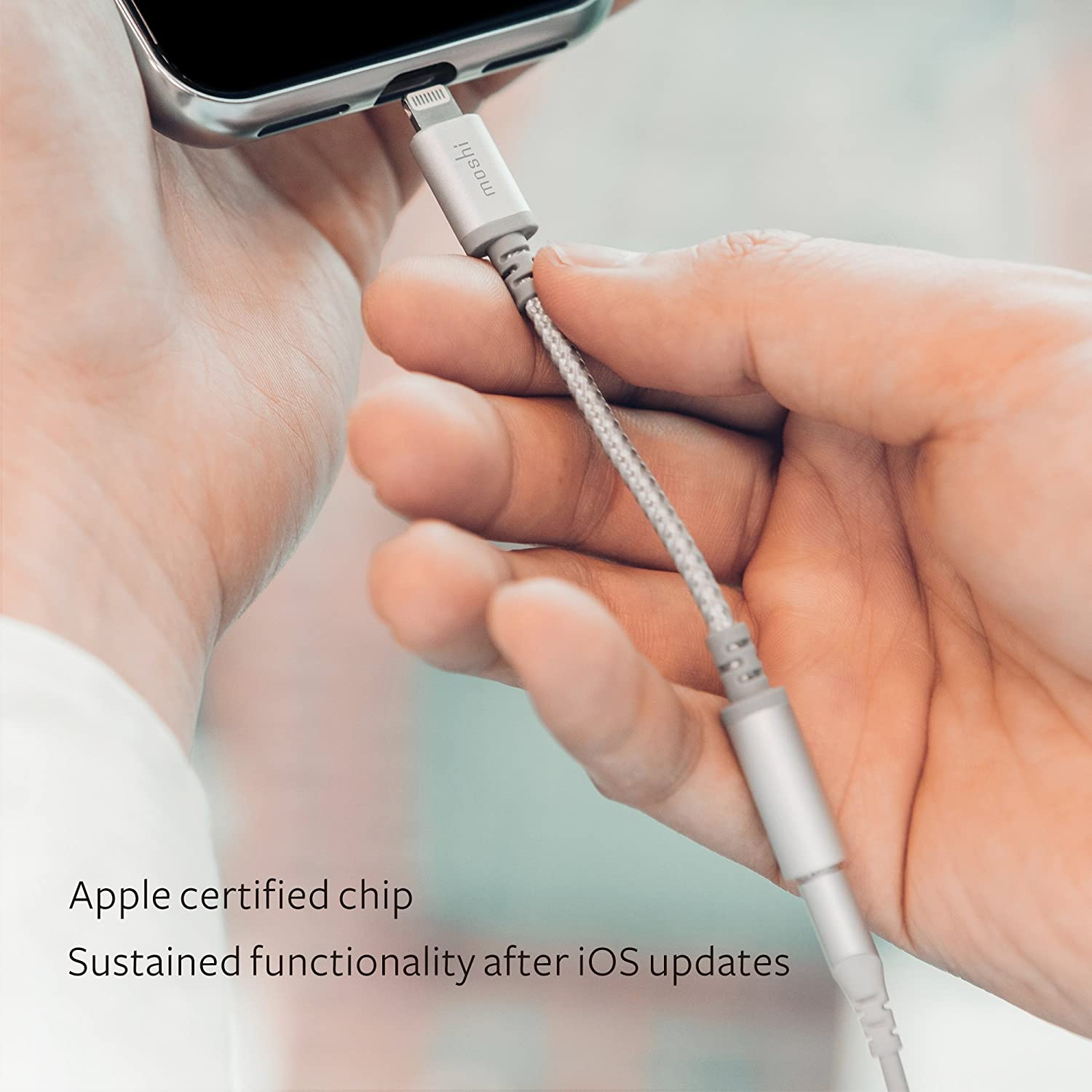 Jet Silver Ballistic Nylon Braided MFi Certified Exceeds 10,000 Bend Cycles Aluminum Housings for iPhone//iPad//iPod Touch Moshi Integra Lightning to 3.5mm Headphone Jack Adapter