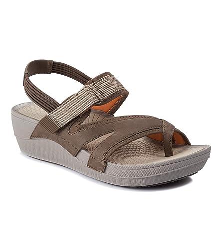 c5f01aa9809 BareTraps Brinley Women s Sandals   Flip Flops Mushroom Size 5.5 M ...