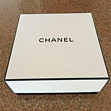 e309b3349bbf Image Unavailable. Image not available for. Color: Chanel Signature Gift ...