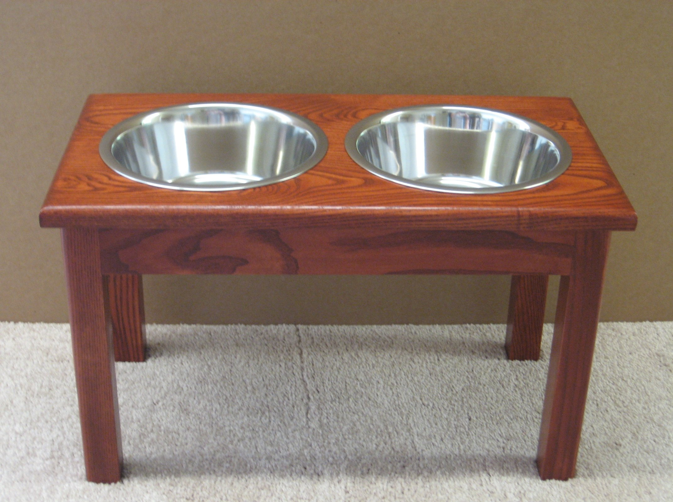2 Bowl Traditional Style Pet Diner Size: X-Large (16'' H), Finish: Cherry