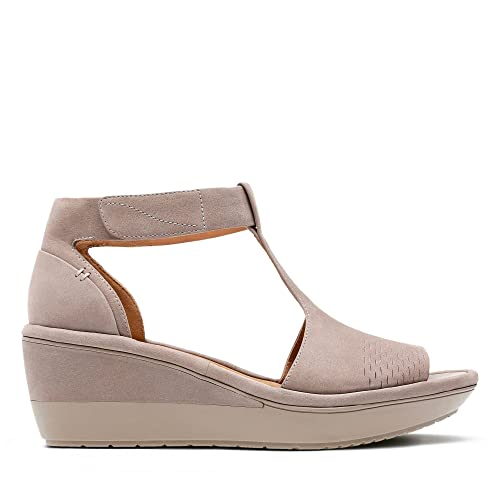 19e95e0c1e5c Clarks Wynnmere Avah Nubuck Sandals in Grey  Amazon.co.uk  Shoes   Bags