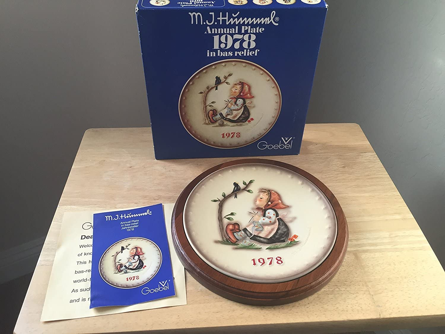 1975 Goebel Hummel Annual Collector Plate