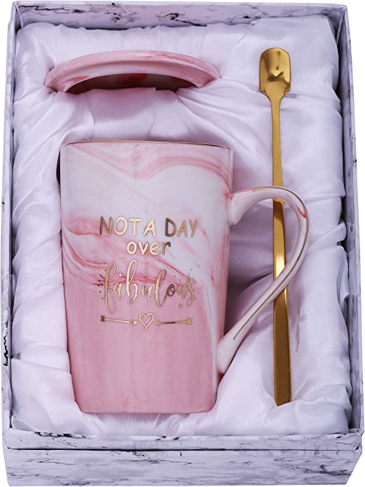 Amazon.com: Jumbway Not a Day Over Taza fabulosa – Regalo de ...