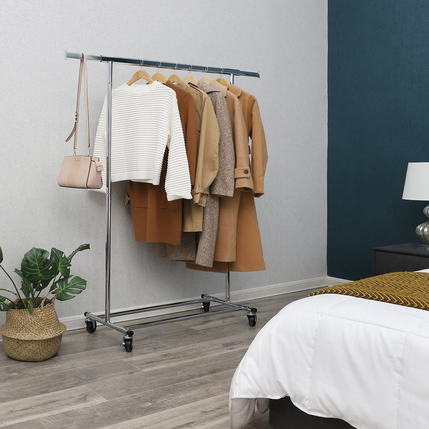 Heavy Duty Garment Rack with Extendable Hanging Rail