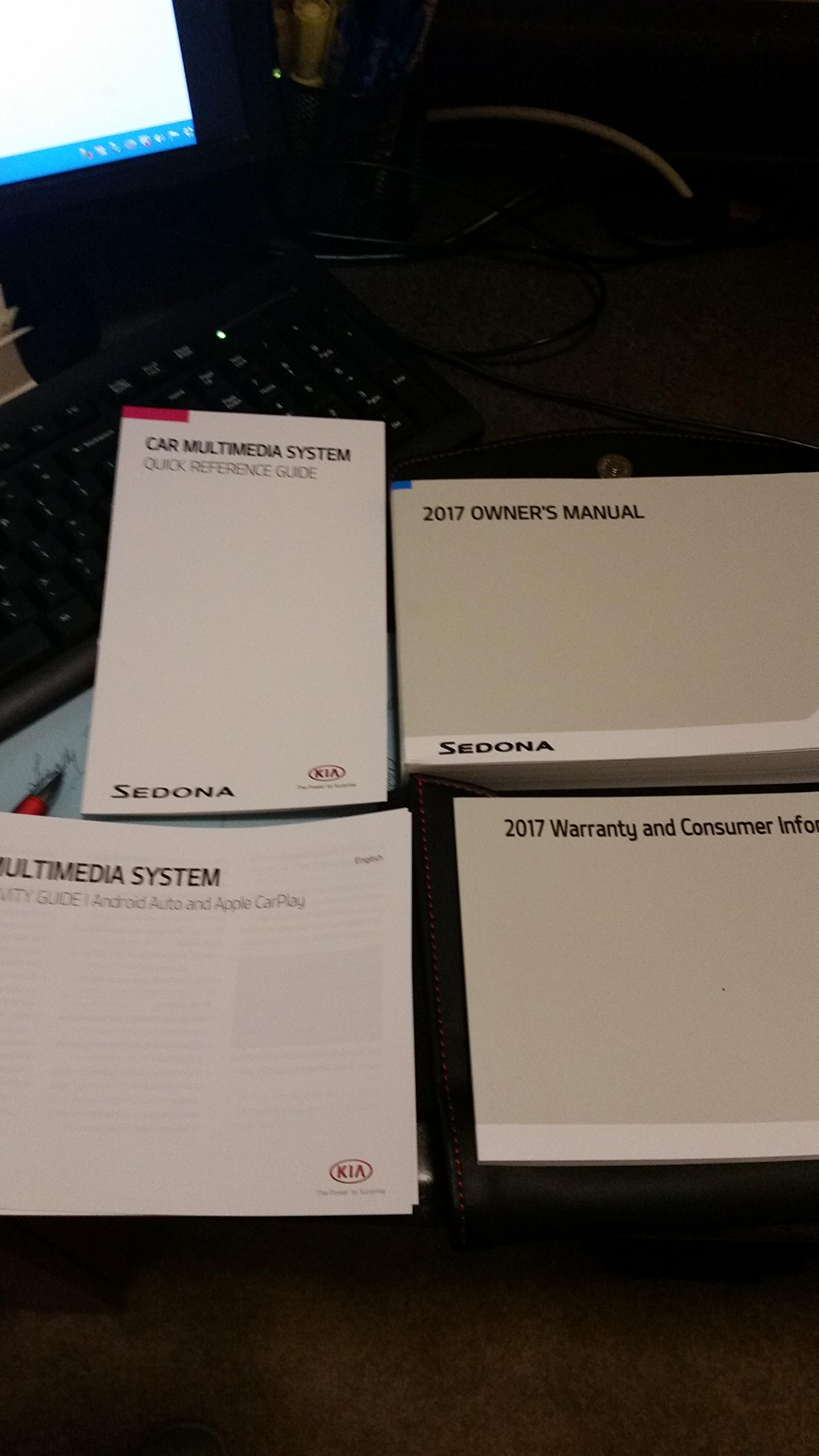 2017 kia sedona owners manual guidebook amazon com books rh amazon com kia sedona owners manual kia sedona owners manual 2016