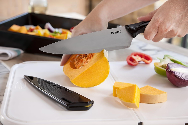 Testing knife sharpness
