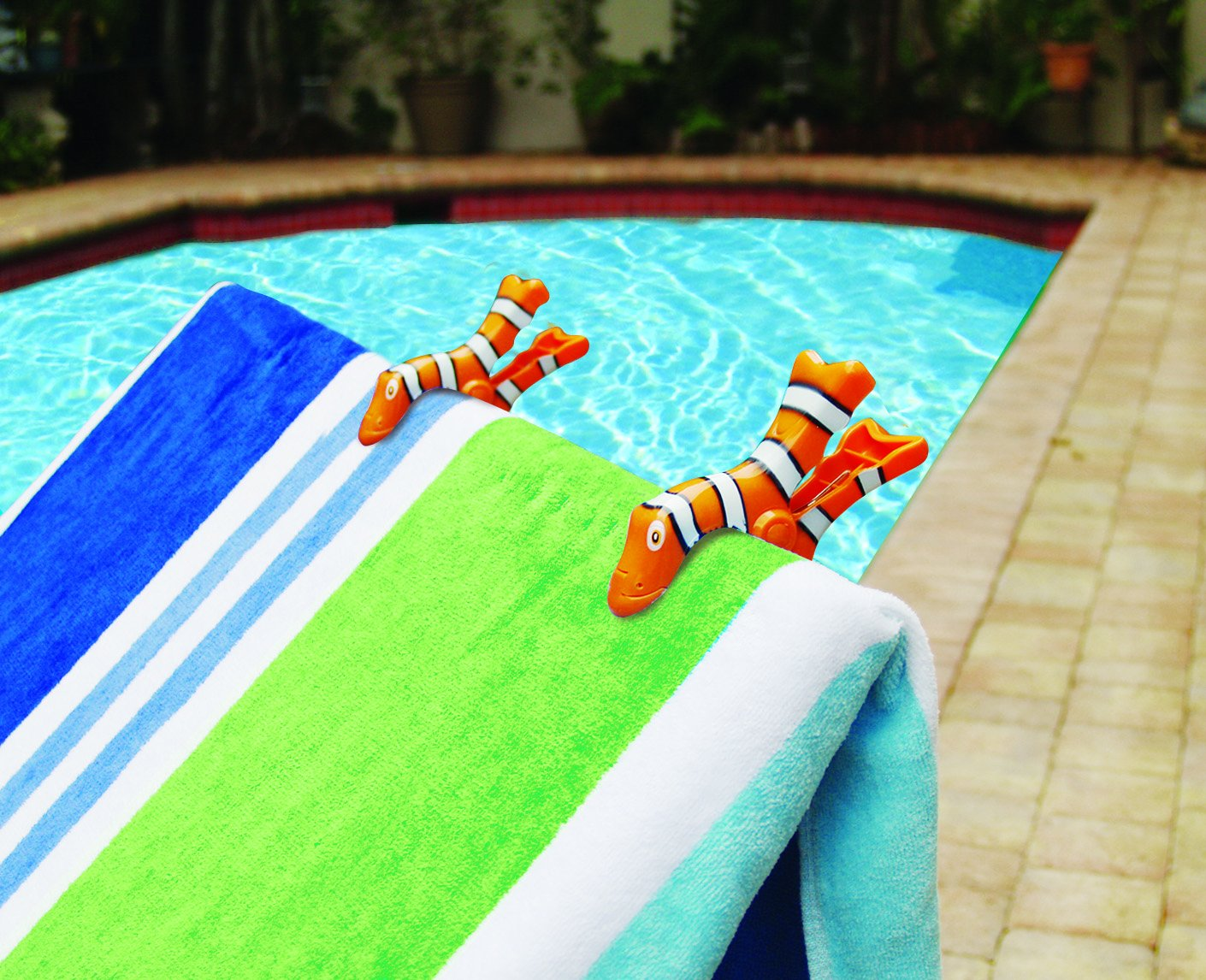 Amazon.com: Clown Fish BocaClips by O2COOL, Beach Towel Holders, Clips, Set of two, Beach, Patio or Pool Accessories, Portable Towel Clips, Chip Clips, ...