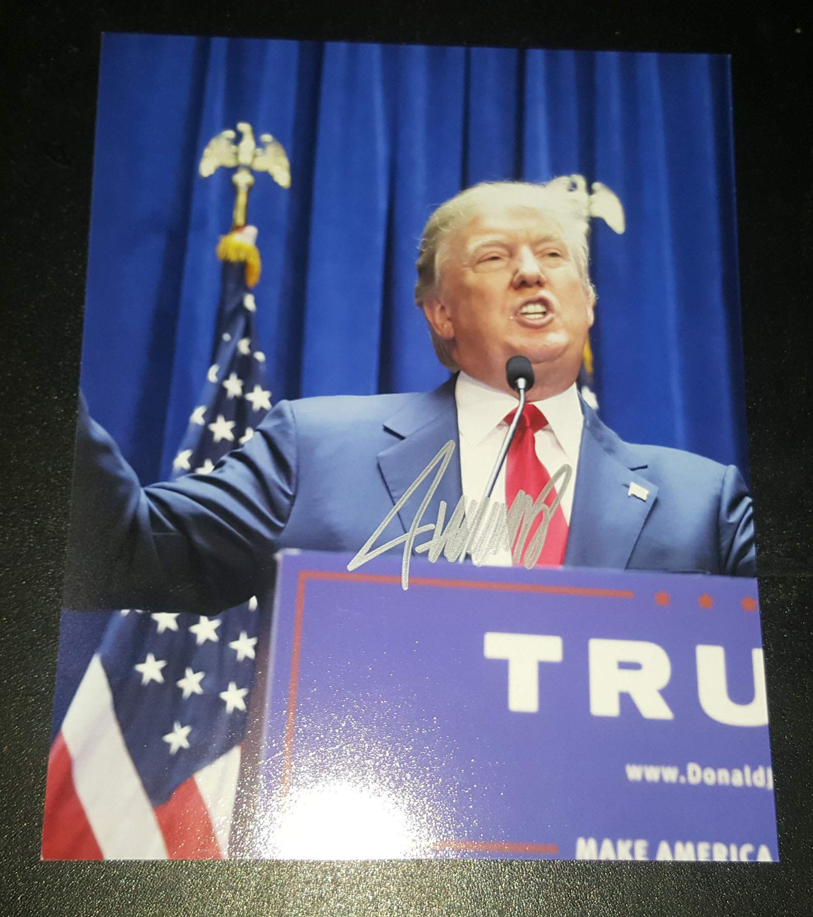 Donald Trump – Autographed Signed 8×10 Inch Photograph – PRESIDENT Of The UNITED STATES USA