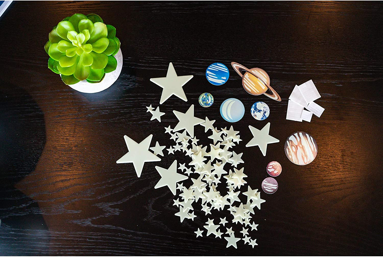 Boys /& Girls Astronomy Space Stem Toys Gift Room D/écor For Kids /& Teens Toysmith 4M Glow In The Dark Planets /& Supernova