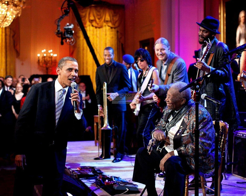 bucraft Barack Obama Sings Sweet Home Chicago with B.B. King - 8X10 Photo (DA-515)