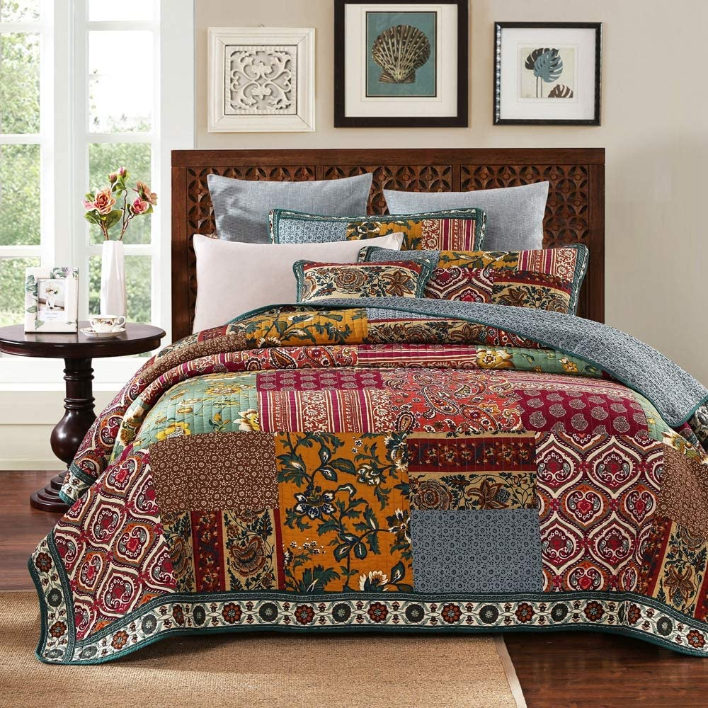 YAYIDAY Patchwork Cotton Bedspread Quilt Sets King Size Bohemian Pattern - Breathable Floral Quilted Blanket Reversible with Pillow Shams, Modern Stitched Coverlet (Red King)