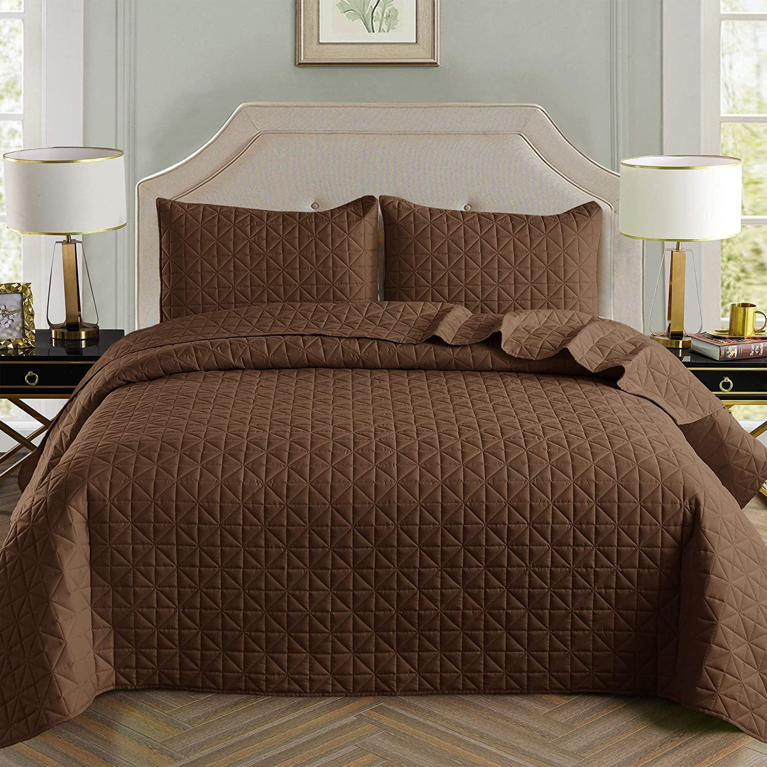 Exclusivo Mezcla 2-Piece Twin Size Quilt Set with One Pillow Sham, as Bedspread/Coverlet/Bed Cover(Grid Weave Brown) - Soft, Lightweight, Reversible& Hypoallergenic