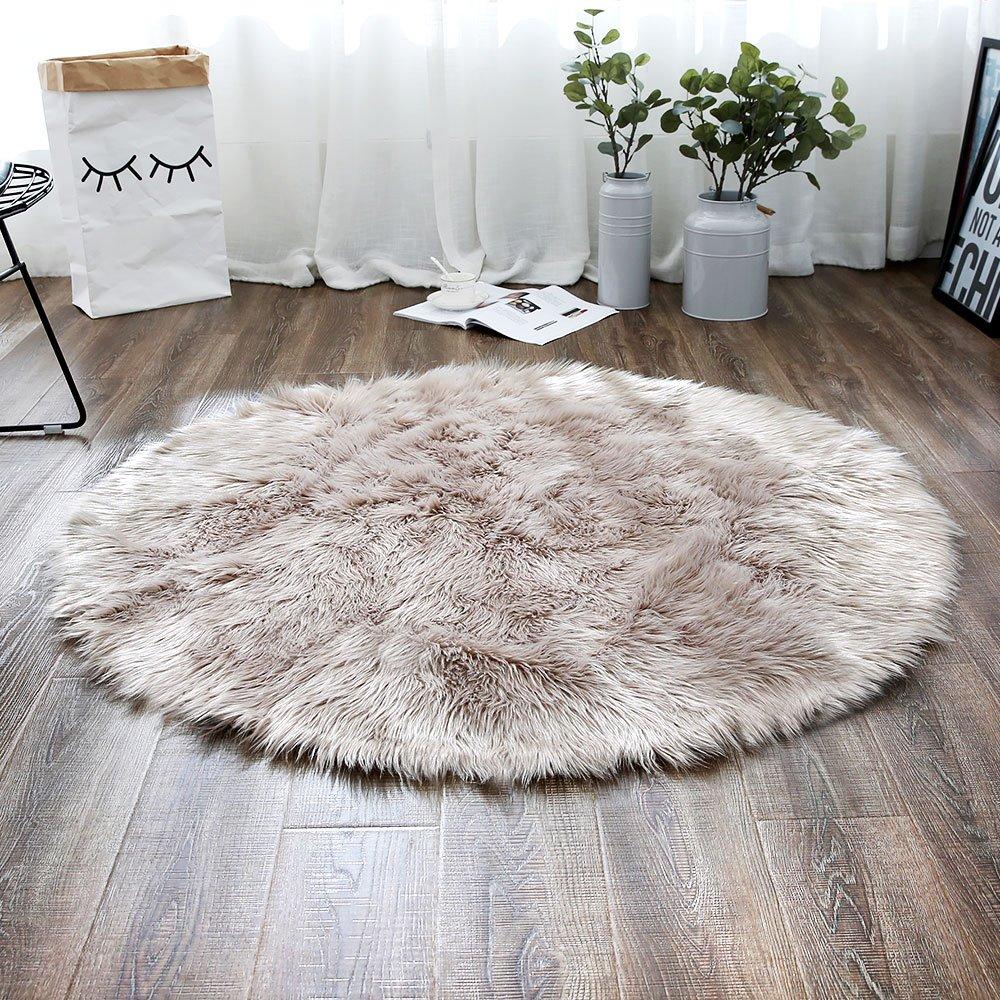 LEEVAN Plush Sheepskin Style Throw Rug Faux Fur