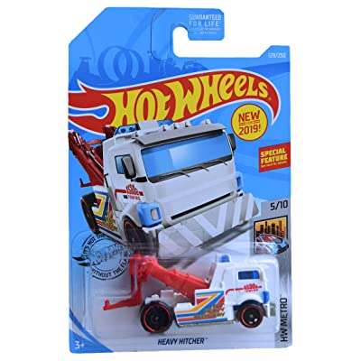 Hot Wheels Metro Series 5/10 Heavy Hitcher 129/250, White/red: Toys & Games